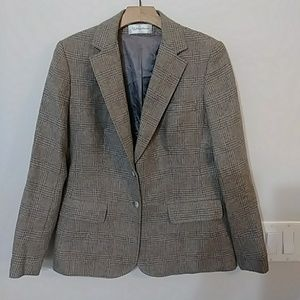 Woman's tailored wool suit